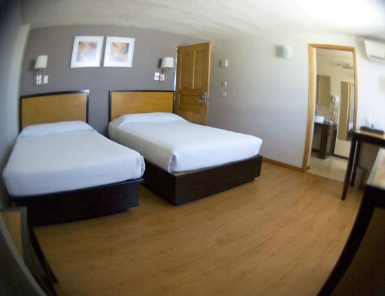 Centro 19 Hotel: Habitacion doble