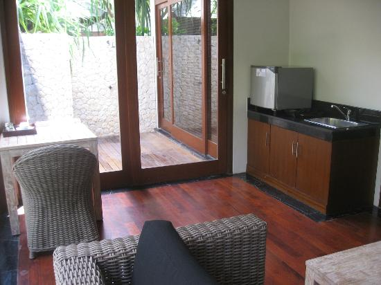 The Dipan Resort Petitenget: One bedroom villa with pool - living area