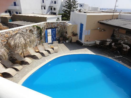 Aloni Hotel : Piscine