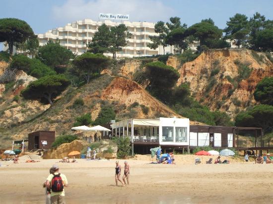PortoBay Falesia : widok hotelu z plaży