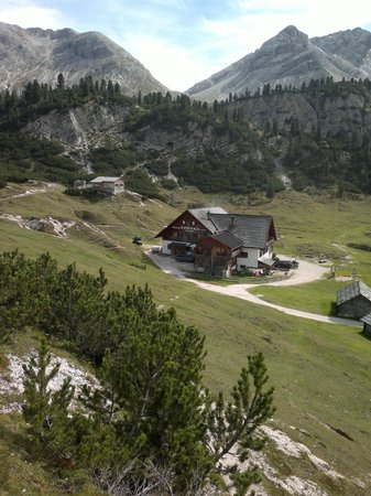 Rifugio Fodara Vedla: rifugio dall'alto