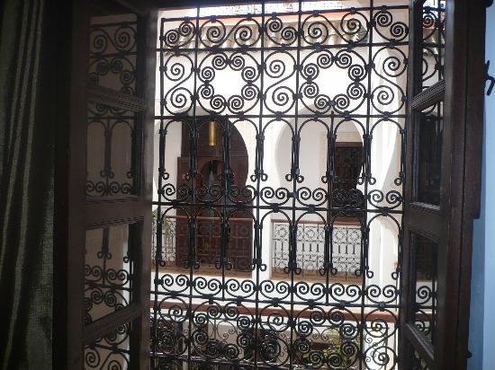 Riad Charme d'Orient: Fenetre sur patio