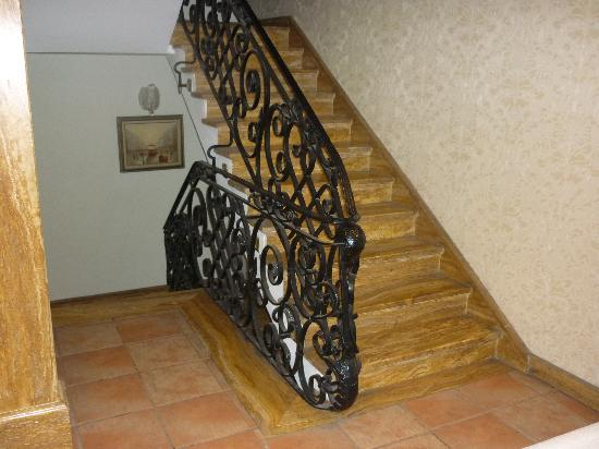 fer forge cage escalier - Picture of Golden Crown Hotel, Istanbul ...