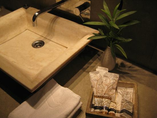 Hotel Huerto Del Cura: Sink