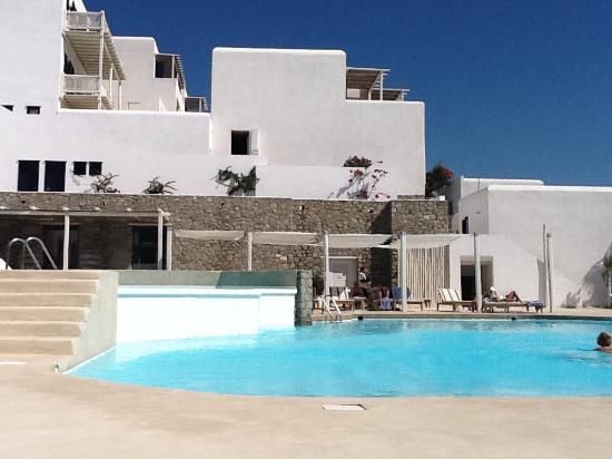 Grecotel Mykonos Blu Hotel: Pool area
