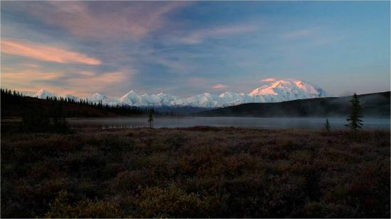 Denali Backcountry Lodge: Sunrise at Wonder Lake