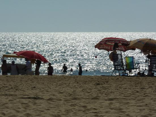 Hotel Apartamentos Marina Luz: The beach, a few minutes walk.