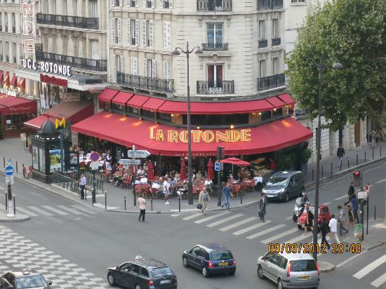Raspail Montparnasse Hotel: View from the room. We ate breakfast at this cafe.