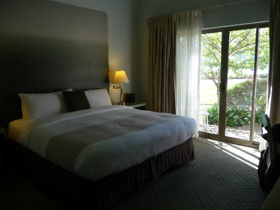 Acqua Hotel Mill Valley: Super comfy bed.