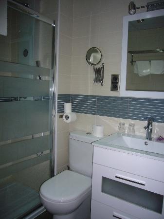 Hotel Mare Nostrum: baño 111