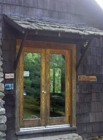 Lake Eden Events & Lodging: Leaf Office with computer access