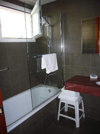 Mar Blau Tossa Hotel: baño 214