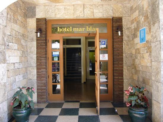 Mar Blau Tossa Hotel: entrada