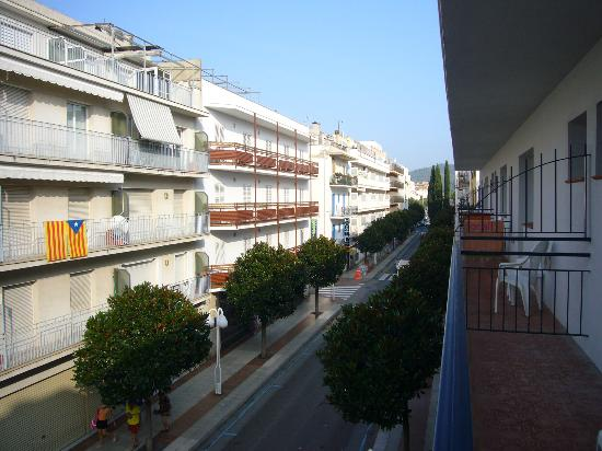 Mar Blau Tossa Hotel : vista a la derecha !