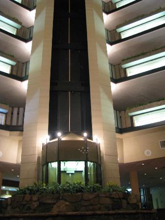 Glenstone Lodge: elevator