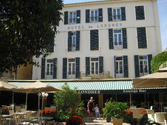 Hotel de Londres Menton: VITA ESTERNA