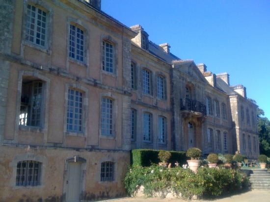 Chateau de Pont-Rilly: The façade of the château