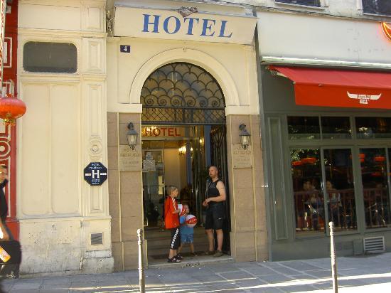 Hotel Paris Bruxelles: utanför entrén