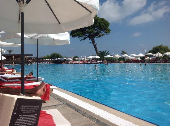Rixos Premium Belek : pool by day