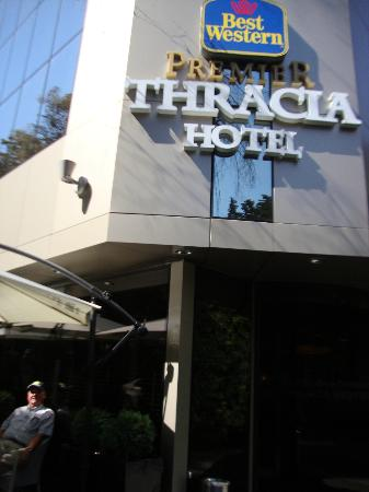 Thracia Hotel: Front Entrance