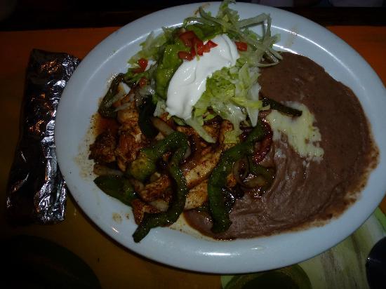La Quetzalteca Restaurant : Lunch chicken fajitas at La Quetzalteca