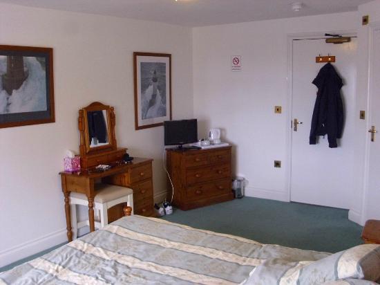 Swordfish Inn: Inner-end of front room.