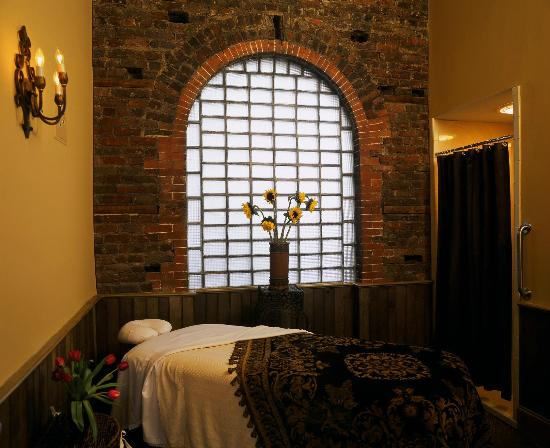 A room inside the Spa at the Wentworth Mansion