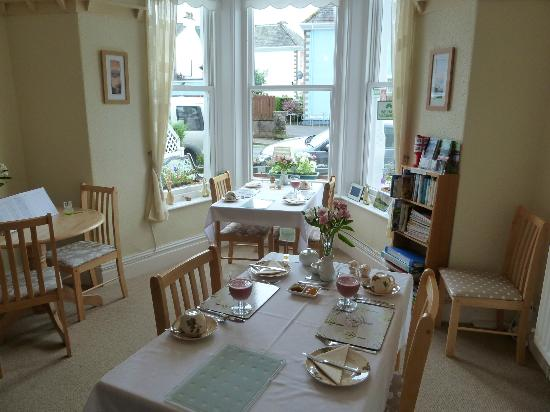 Seven Oaks Guest House: Breakfast room