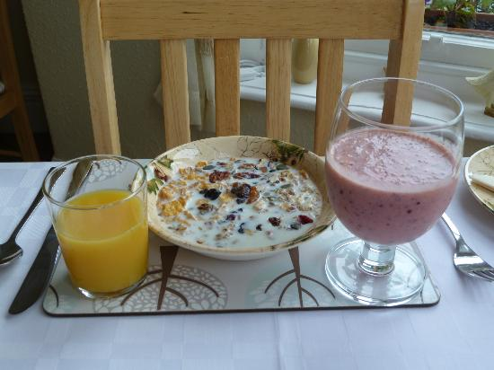 Seven Oaks Guest House: My very healthy breakfast
