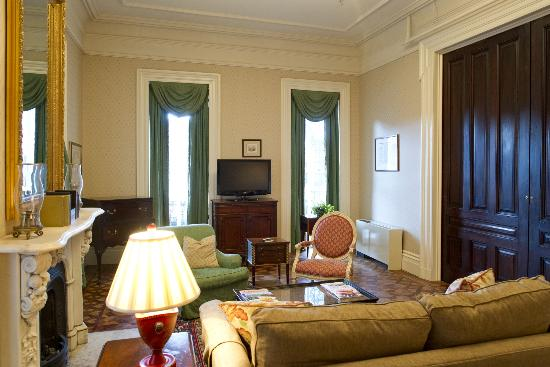 John Rutledge House Inn: A view of our newly renovated Grand Suite.