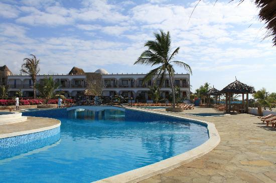 Clubviaggi Resort Twiga Beach & SPA: PISCINA E CAMERE 