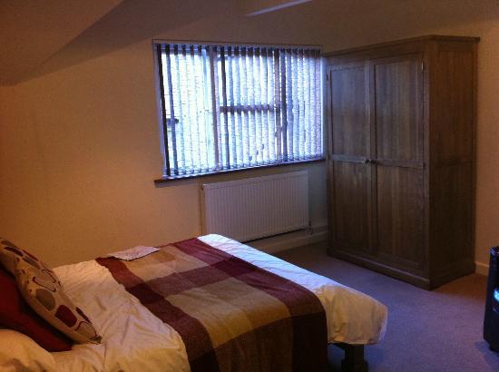 The Pilgrims Rest: bedroom view