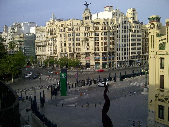 Veiw from our room picture of hotel zenit valencia for Top design hotels valencia