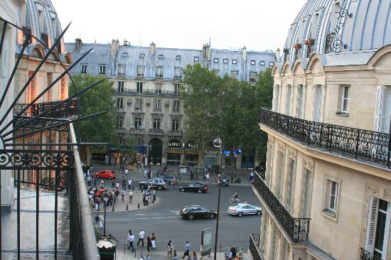 Hotel Albe Saint Michel: View from balcony of 5th floor room