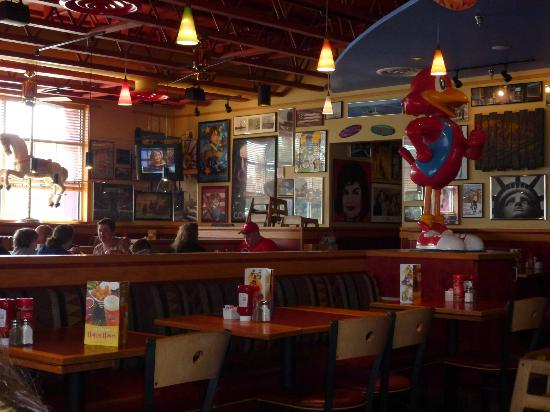 Exterior to red robin outdoor dining patio picture of