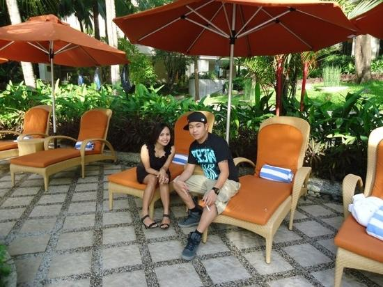 Edsa Shangri-La: by the pool