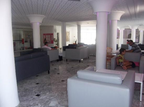 Club Jumbo Djerba: Le hall de l'hôtel