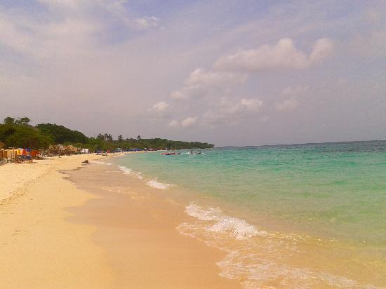 Isla Baru, Colombia: Arena y mar en Playa Blanca