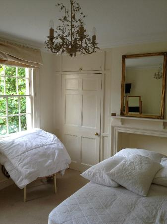 Three Abbey Green: Lovely bedroom overlooking Abbey Green