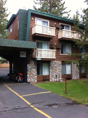 Americas Best Value Inn - Casino Center Lake Tahoe: Our hotel