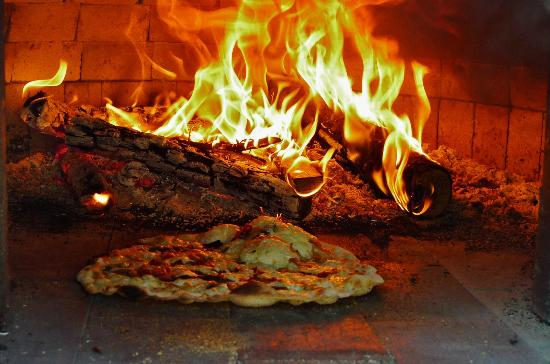 The Inn at Neshobe River: wood fired pizza onsite