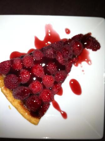 Le Viaduc Cafe : tarte aux framboises fraîches maison !