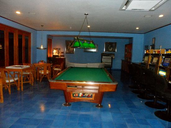 Couples Negril: Game room