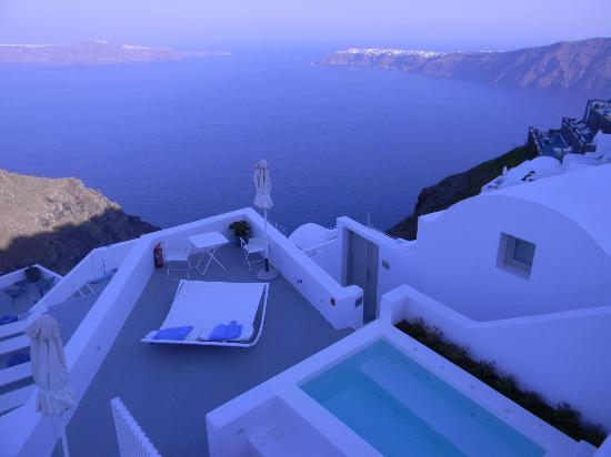 Grace Santorini Hotel: View from concierge