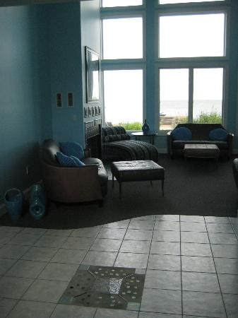Sun and Surf Bed and Breakfast: Common area