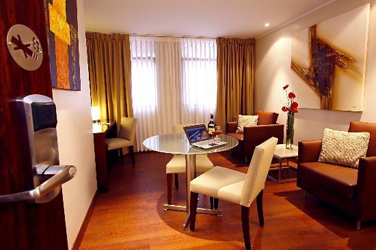 Hotel Reina Isabel 사진