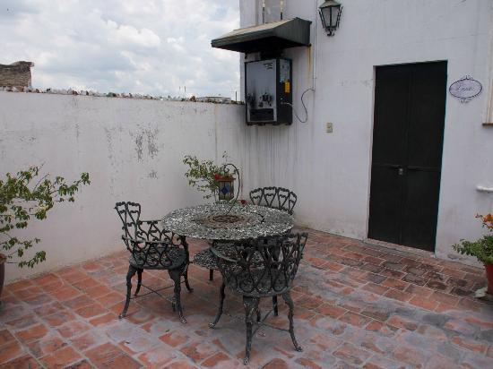 Hostal La Bombilla : Dachterrasse