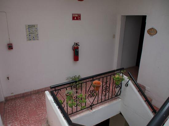 Hostal La Bombilla : Treppenhaus
