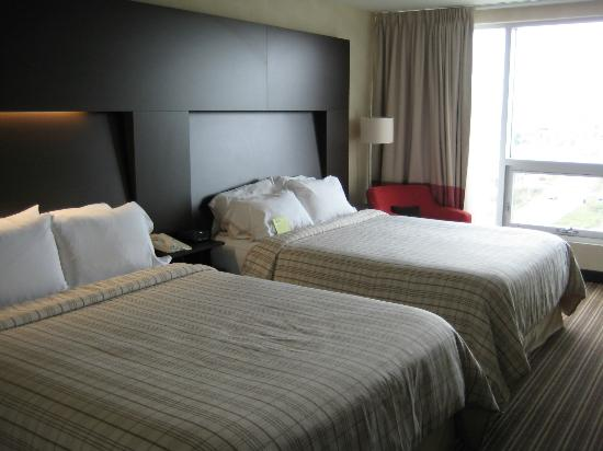 Four Points by Sheraton Levis Convention Centre: Double bed room