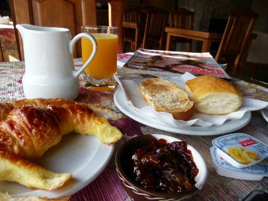 Hotel y Duplex Rincon del Valle: Desayuno